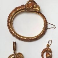 18k Gold Etruscan Revival Ram's Head Bracelet Earrings and Brooch Set 1.jpg