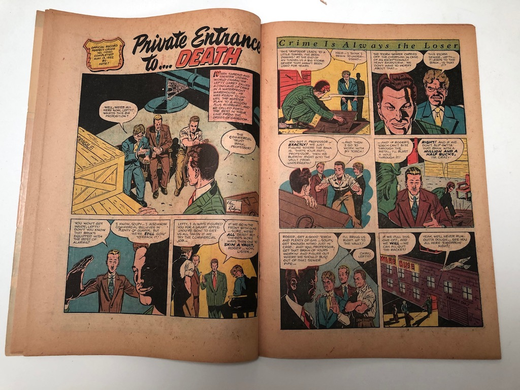 The Perfect Crime No. 30 November 1952 Published By Cross 11.jpg