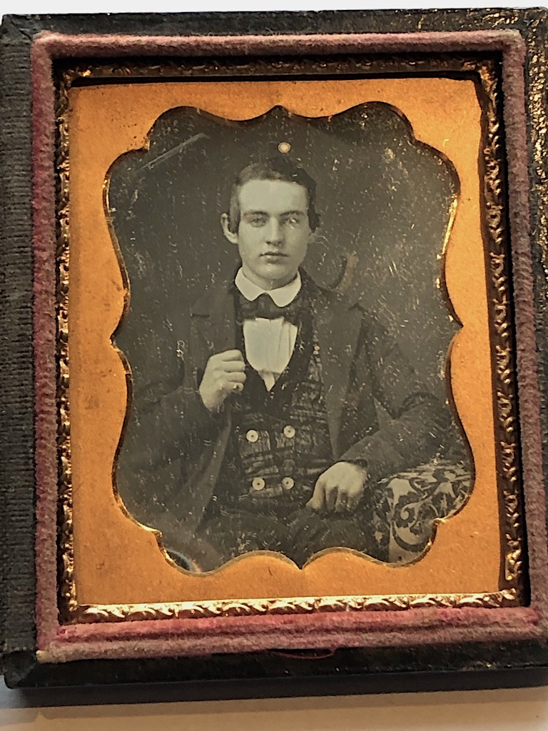 Daguerreotype of Young Dandy Posed with Style Ninth Plte Size Case Image 6.jpg