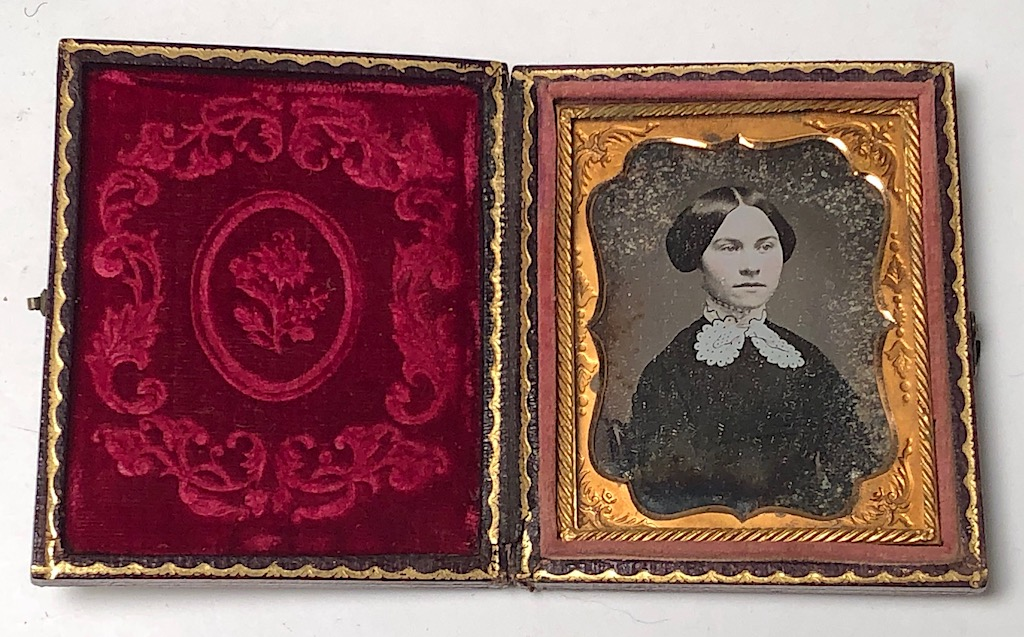 Ninth Plate Daguerreotype Hand Tinted Woman with Large White Lace Collar 12.jpg