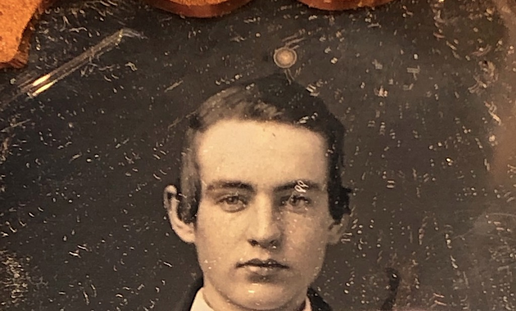 Daguerreotype of Young Dandy Posed with Style Ninth Plte Size Case Image 7.jpg